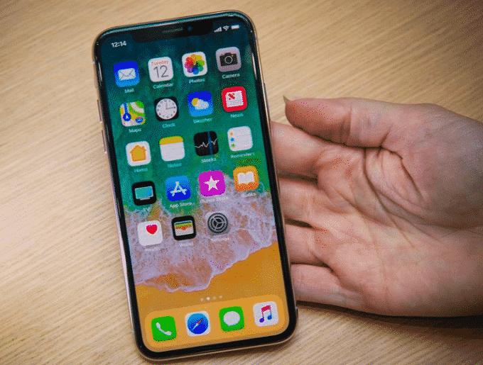 Samsung conçoit les écrans des iPhone X.