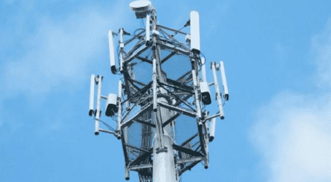 SFR vend ses pylônes