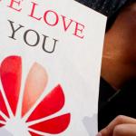 Affaire Huawei : les États-Unis interdisent l'achat des produits du constructeur chinois
