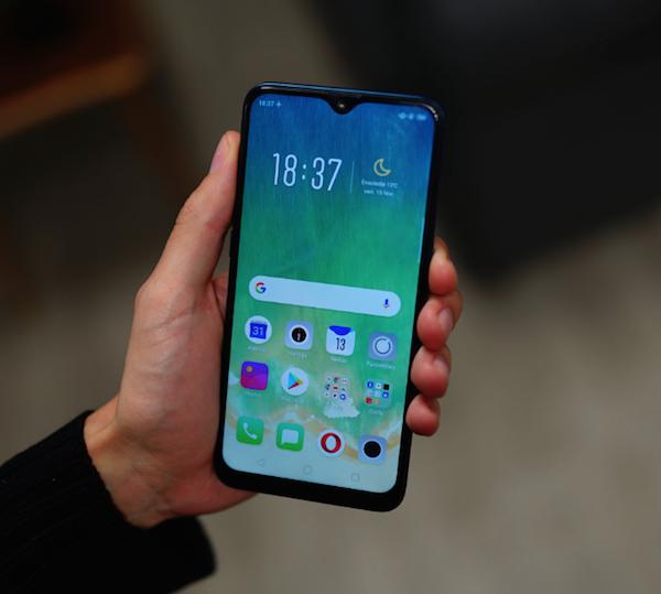Oppo AX7 proposé par Free mobile